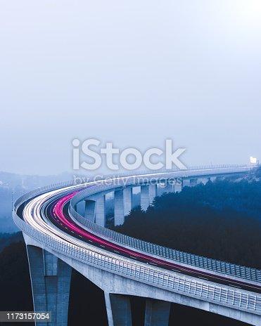 539234032 istock photo Highway Urban traffic 1173157054