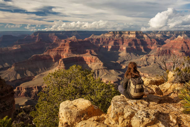 Ein Wanderer im Grand Canyon National Park, South Rim, Arizona, USA. – Foto