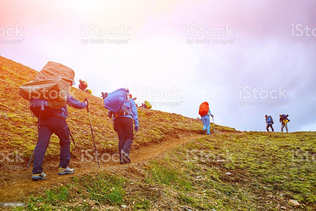 Randonneurs dans les montagnes photo libre de droits