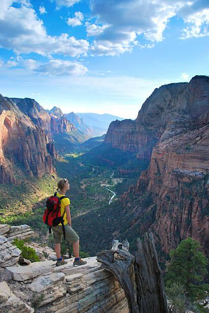 Wandern am Rand in Zion – Foto
