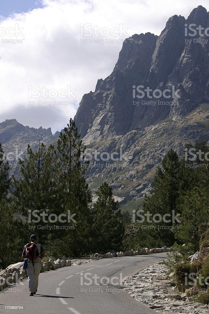 Excursionismo en la montaña foto de stock libre de derechos
