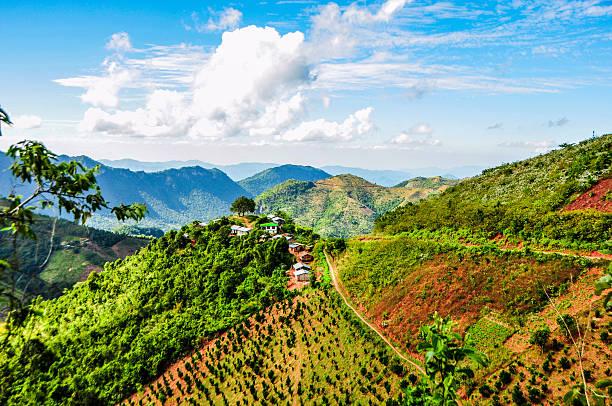 wioska hill w kalaw, myanmar - burma home do zdjęcia i obrazy z banku zdjęć