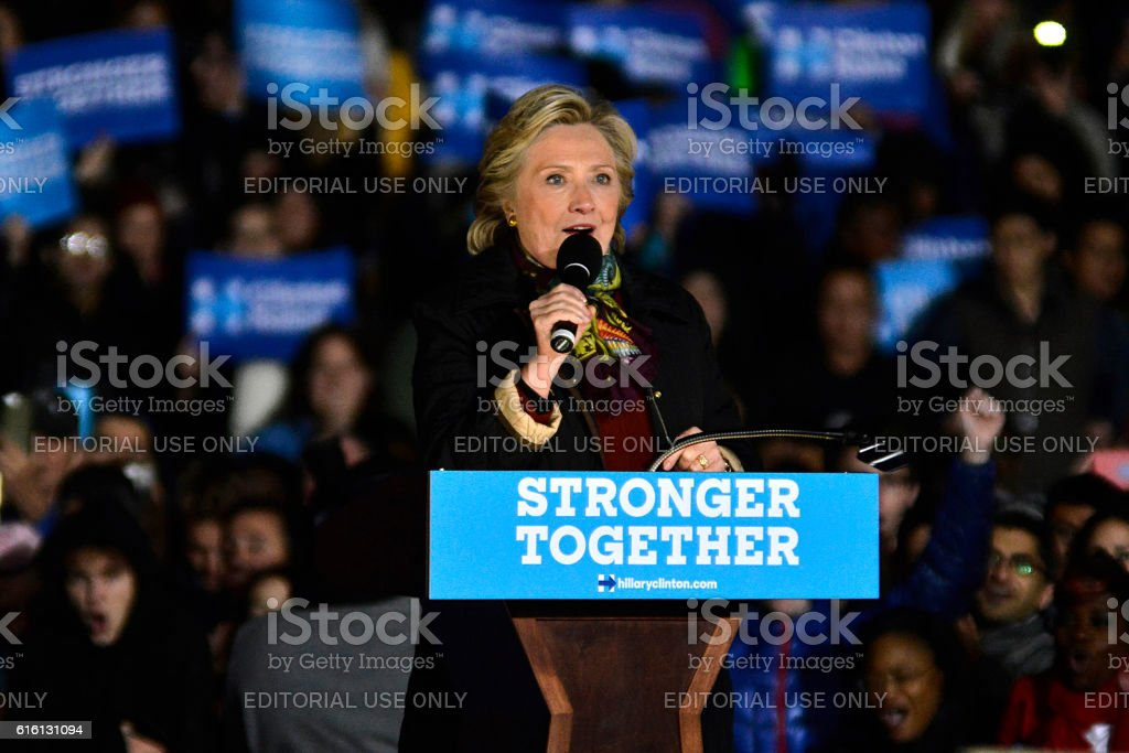 Hillary Clinton and Tim Kaine Campaign Together in Philadelphia, Pennsylvania – Foto