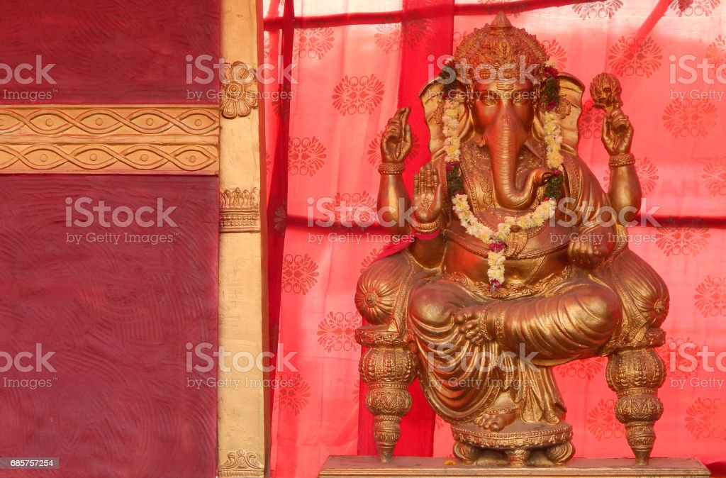 Hindu God Ganesha idol during karthika deepam ustav lighting 1 crore lights, Hyderabad,India photo libre de droits