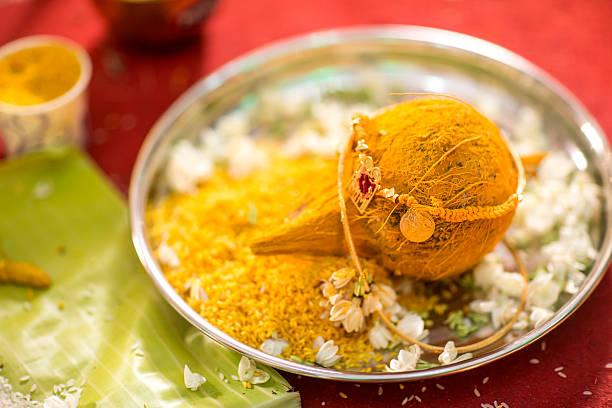 индуистский индийский свадебная церемония - традиционная церемония стоковые фото и изображения