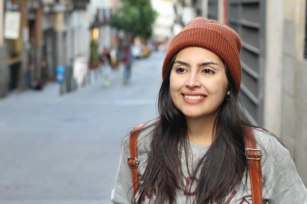 Quadril mulher étnica com espaço de cópia - foto de acervo