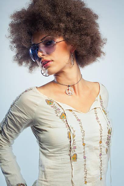 hippie-mädchen - hippie kostüm damen stock-fotos und bilder