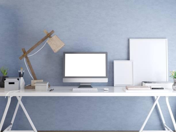 hipster-desktop mit einem mock-up-screen-monitor. - raumteiler weiß stock-fotos und bilder