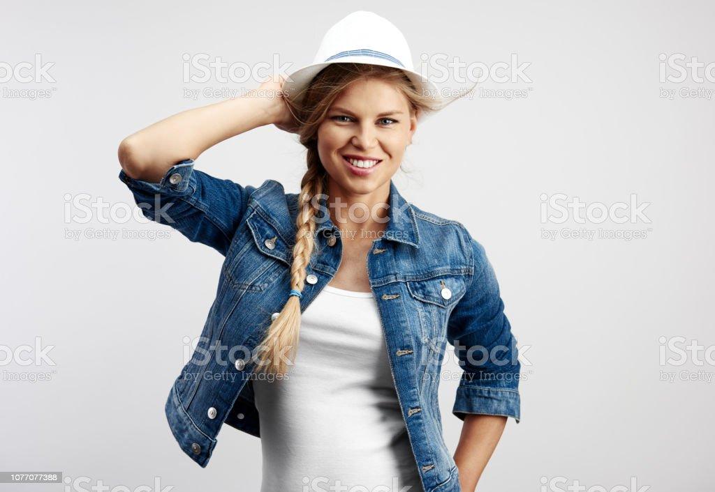 Hipster Mädchen in Jeansjacke – Foto