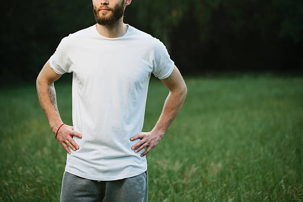Hipster man wearing white blank t-shirt – Foto