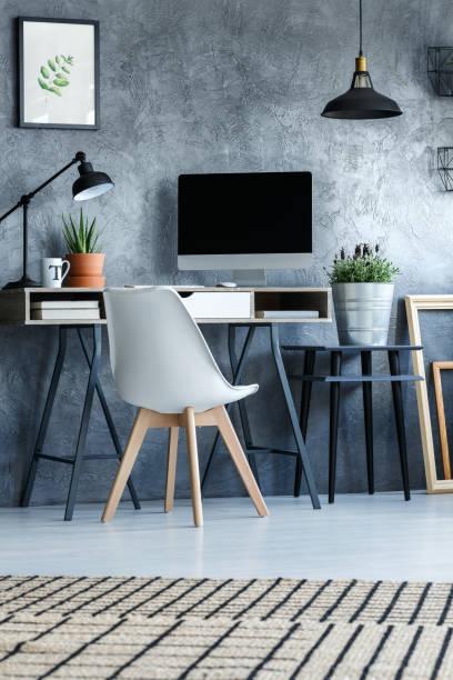 hipster-zimmer mit betonmauer - arbeitszimmer möbel stock-fotos und bilder