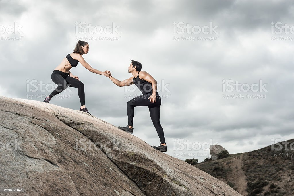 Hispanic Couple Helping Hands – Foto