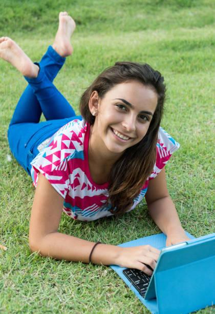 Hispanic teenage student – Foto