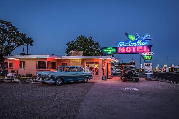 zabytkowy motel blue swallow w: tucumcari - motel zdjęcia i obrazy z banku zdjęć