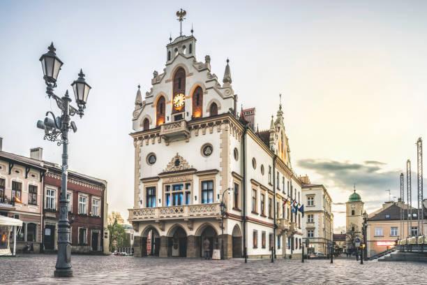 Historisches Rathaus in der Mitte von Rzeszów, Polen – Foto