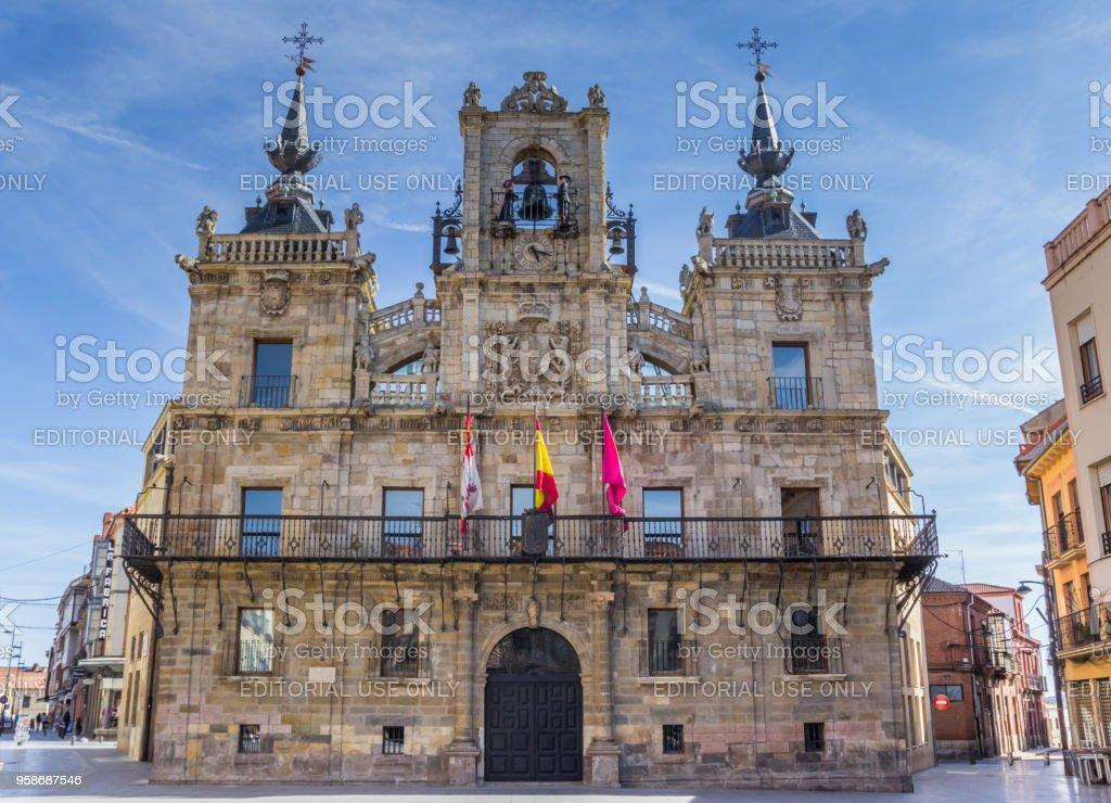 Antiguo Ayuntamiento en la Plaza Mayor de Astorga, España - foto de stock