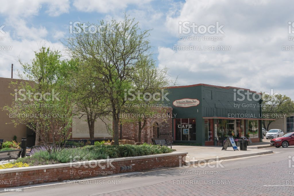 Blue Skies Of Texas >> Historic Downtown Ennis Texas Usa With Cloud Blue Sky Stock