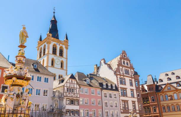 Historische Hausfassaden Main Markt Trier Rheinland-Pfalz Deutschland – Foto