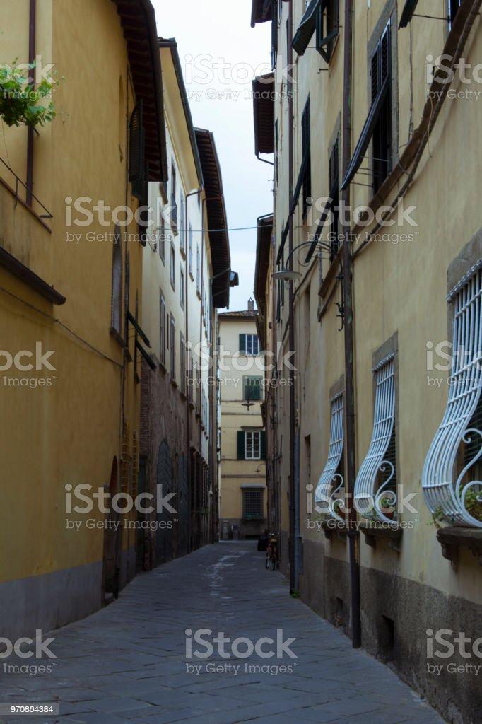 Historische alte Wohnhaus in der Altstadt die italienische Stadt Lucca in der Toskana – Foto
