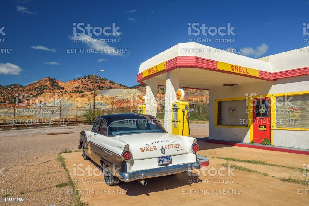 Foto De Posto De Gasolina Historico Da Casca Na Cidade Abandonada Da Mina De Lowell O Arizona E Mais Fotos De Stock De Abandonado Istock