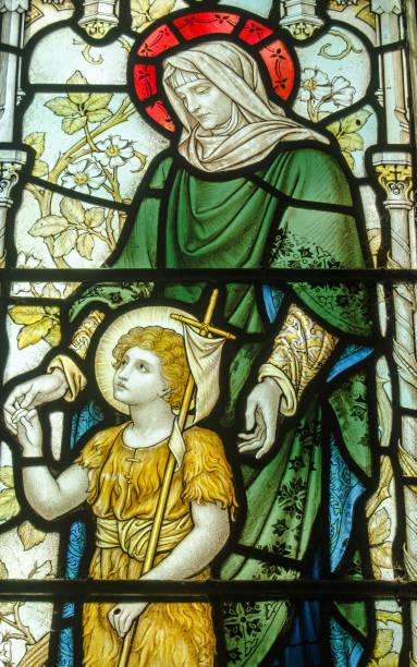 歷史悠久的彩色玻璃窗聖伊莉莎白和聖約翰巴普提 - john lewis 個照片及圖片檔