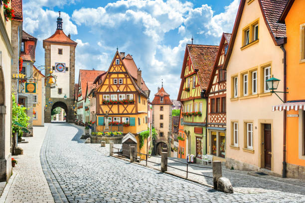 historische stad van rothenburg ob der tauber, franken, beieren, duitsland - rothenburg stockfoto's en -beelden