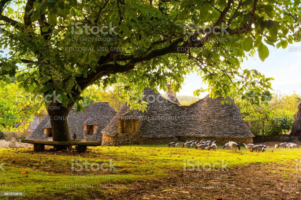 Historisches Dorf Cabanes du Breuil in Frankreich – Foto