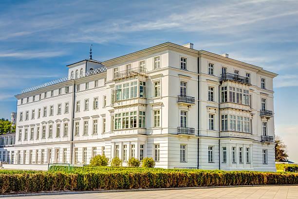 Historic white house at Baltic Sea coast – Foto