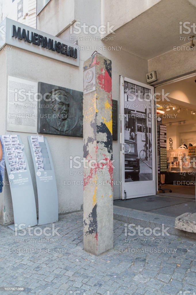 Historische Grenze Post der Deutschen Demokratischen Republik. – Foto