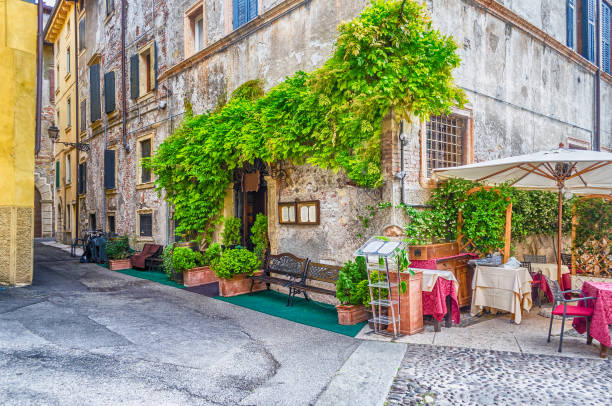 Historical buildings in the old city center of Verona, Italy - foto stock