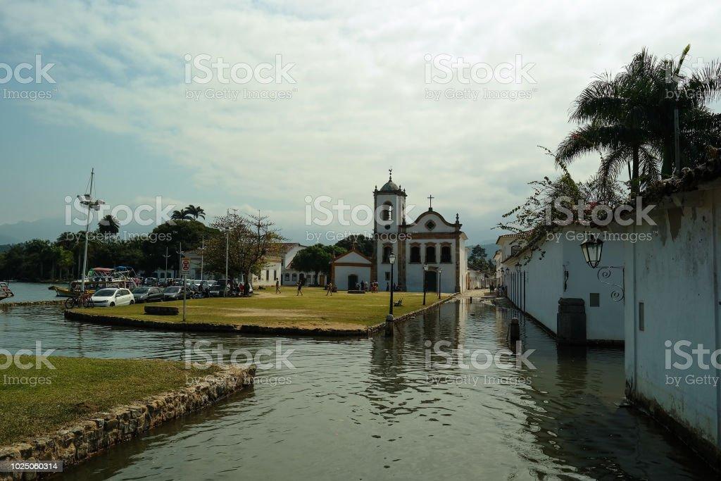 Historical church islet by the tide - Igreja de Paraty ilhada pela maré stock photo