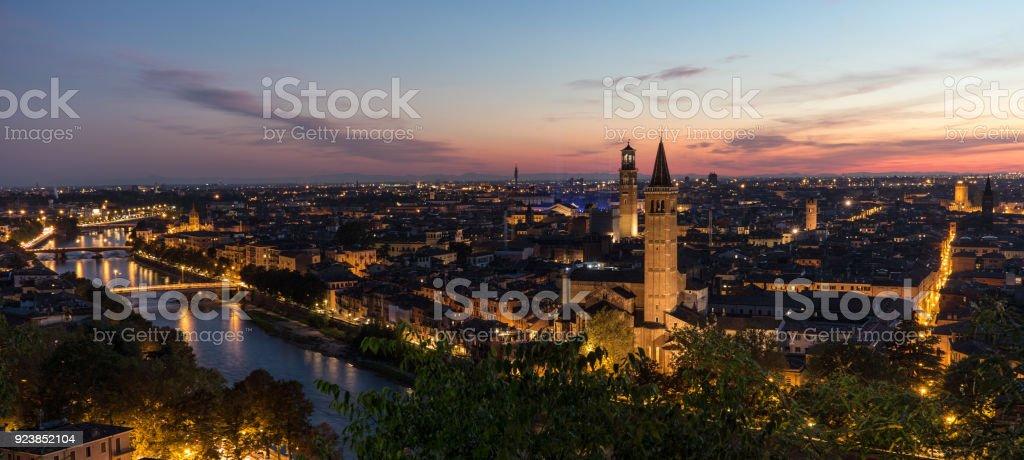 Blick auf die historische Stadt von Verona – Foto