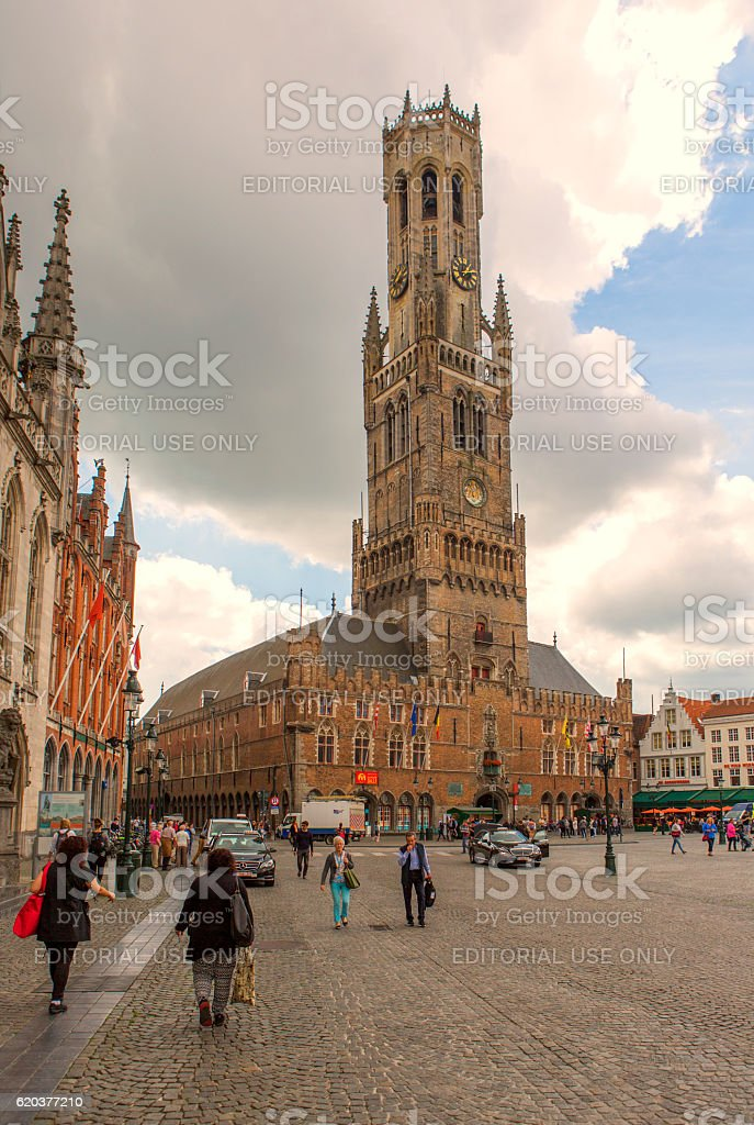 historical gothic buildings at market place in brugge belgium zbiór zdjęć royalty-free