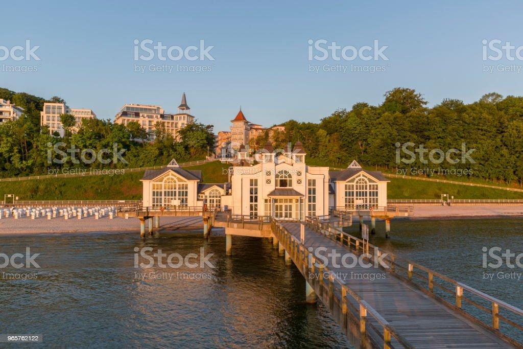 Historische pier en het resort Sellin op Rügen eiland bij zonsopgang - Royalty-free Architectuur Stockfoto