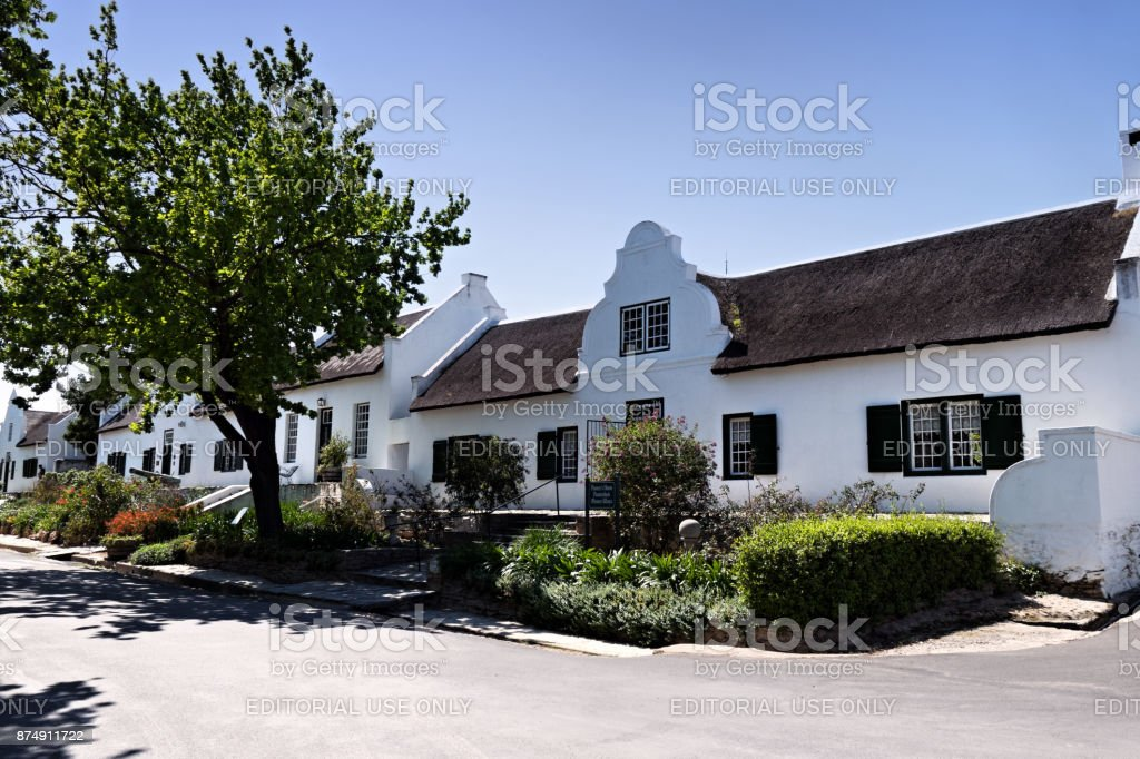 Historical Pioneers House With Cape Dutch Architecture In Tulbagh