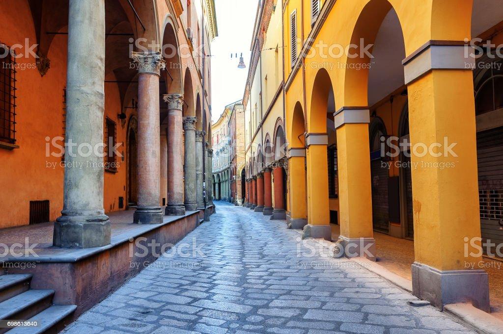 Historische Straße in Bologna, Italien – Foto