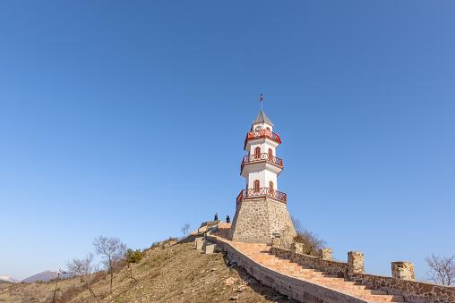 볼 루에서 Goynuk의 상단에 언덕에 역사적인 승리 탑 건물 외관에 대한 스톡 사진 및 기타 이미지