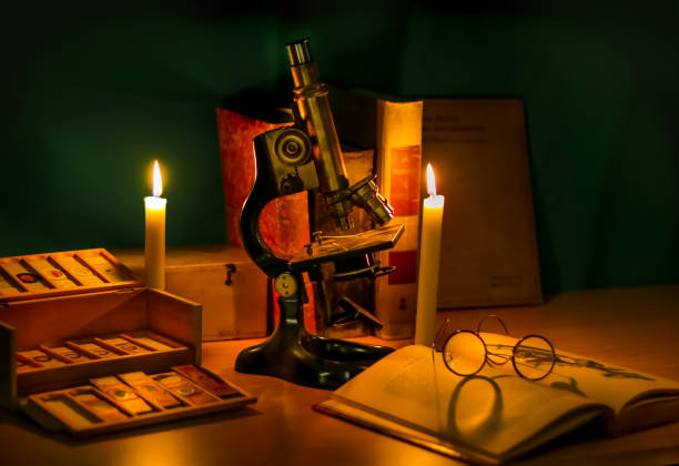 history of microscopy Historisches Mikroskop objektträger stock pictures, royalty-free photos & images
