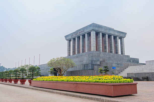 Ho Chi Minh Mausoleum Ho Chi Minh Mausoleum in Hanoi, Vietnam viet cong stock pictures, royalty-free photos & images