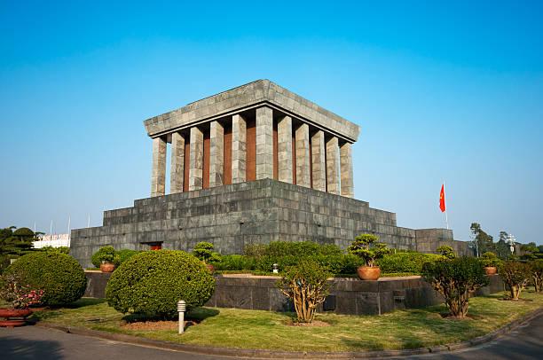 ho-chi-minh-mausoleum. vietnam. - holu stock-fotos und bilder