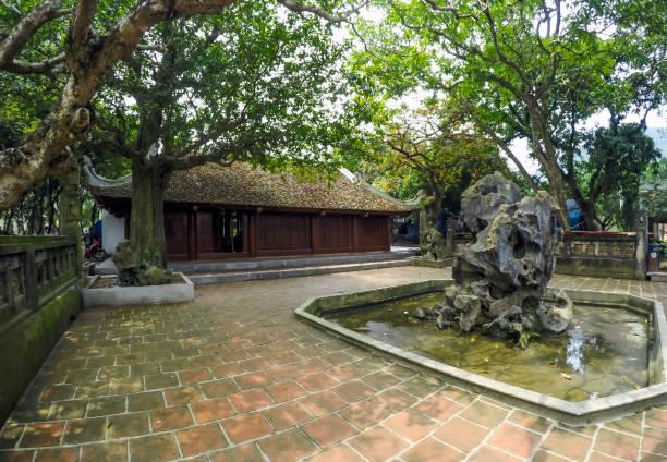 hoa lu tempel, skulptur - ninh binh province, vietnam, asien - holu stock-fotos und bilder