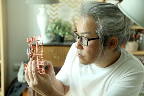 hobby - roboter bastelarbeiten stock-fotos und bilder