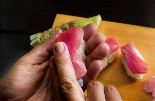 押し寿司 - 握る ストックフォトと画像