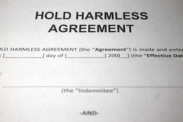 hold harmless agreement form - indemnización compensación fotografías e imágenes de stock