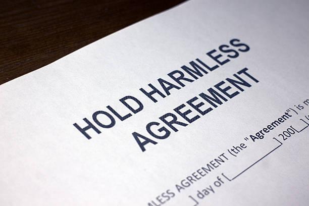 hold harmless indemnity agreement - indemnización compensación fotografías e imágenes de stock