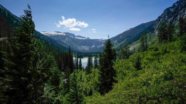 holden, high bridge wandern, pacific crest trail, glacier peak wilderness, washington state, usa - pacific crest trail stock-fotos und bilder