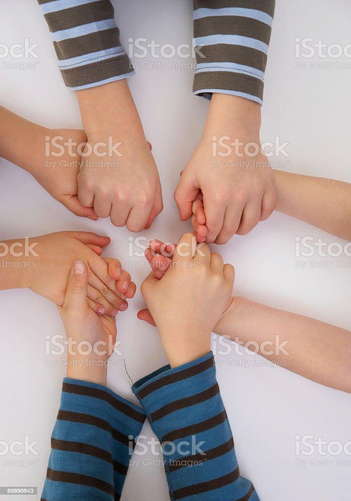 Держаться за руки Стоковые фото Стоковая фотография