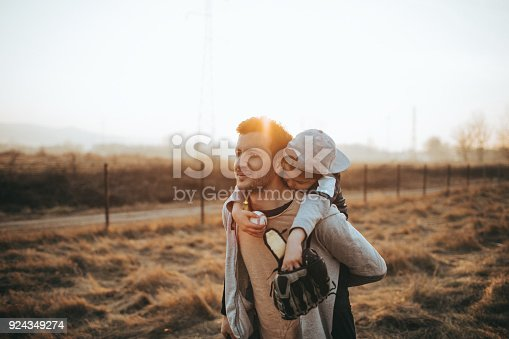 istock Holding my tired baseball player 924349274