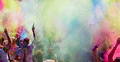 ホーリー祭の色