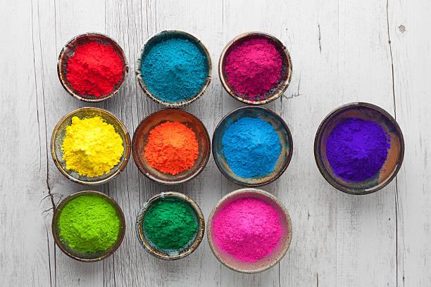 Holi poudre dans différentes couleurs vue du haut - Photo